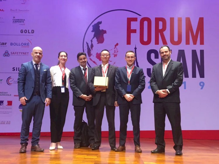 HiNounou Speaks at Forum ASEAN